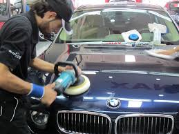 ¿Cómo dar pulimento al coche?