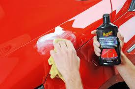 ¿Cómo quitar arañazos del coche con pulimento?